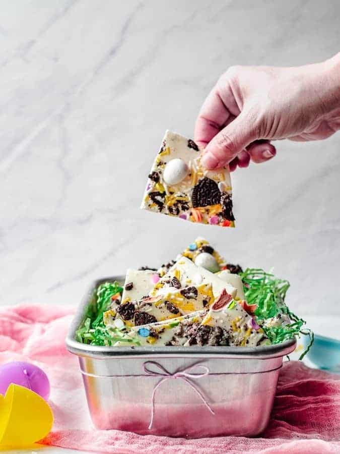 White Chocolate Oreo Easter Bark | kickassbaker.com #whitechocolate #easter #treats #bark #dessert #holiday #holidays #kidfriendly #nonuts #nutfree #peanutfree #oreo