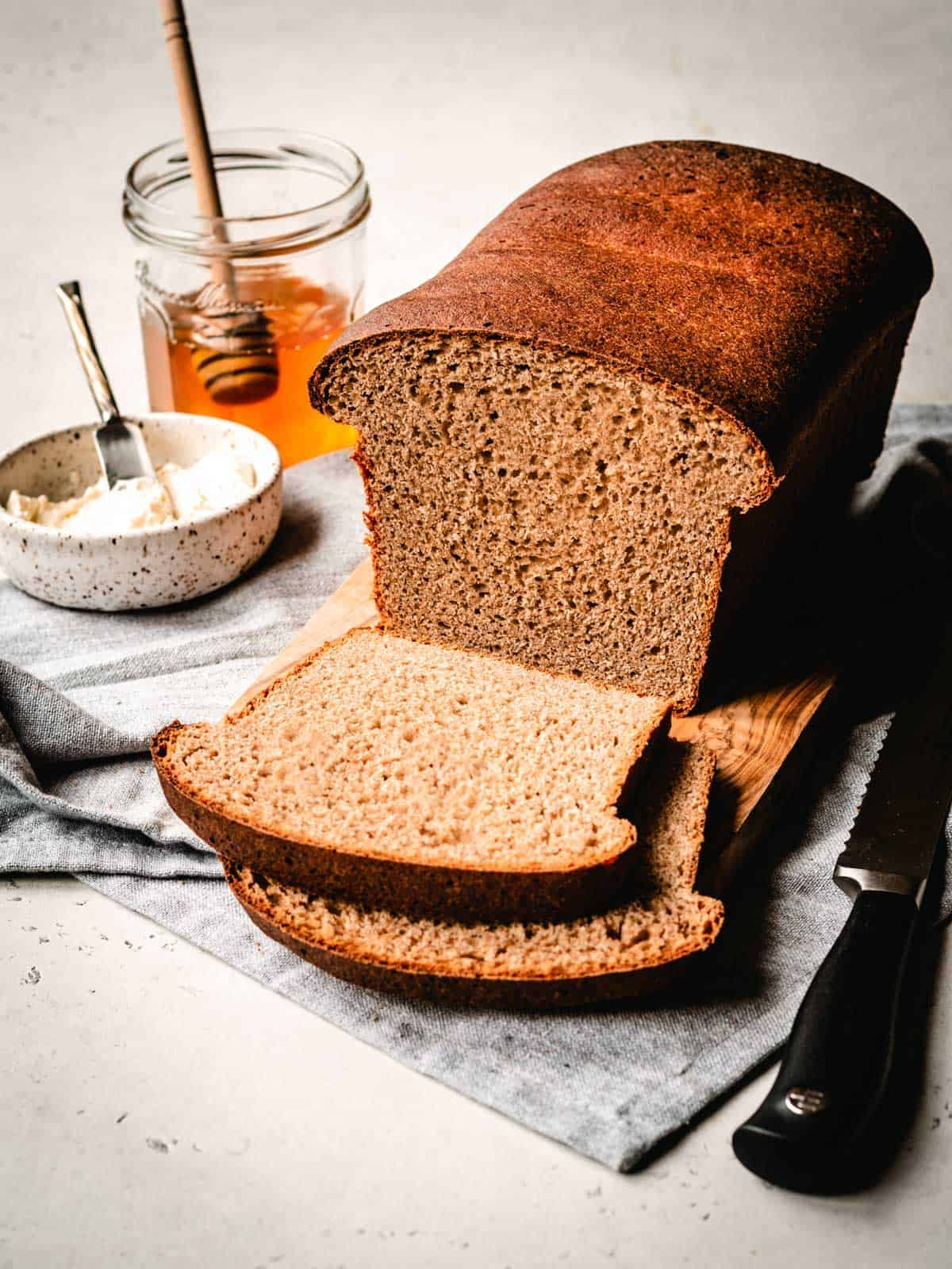 sliced honey whole wheat sandwich bread