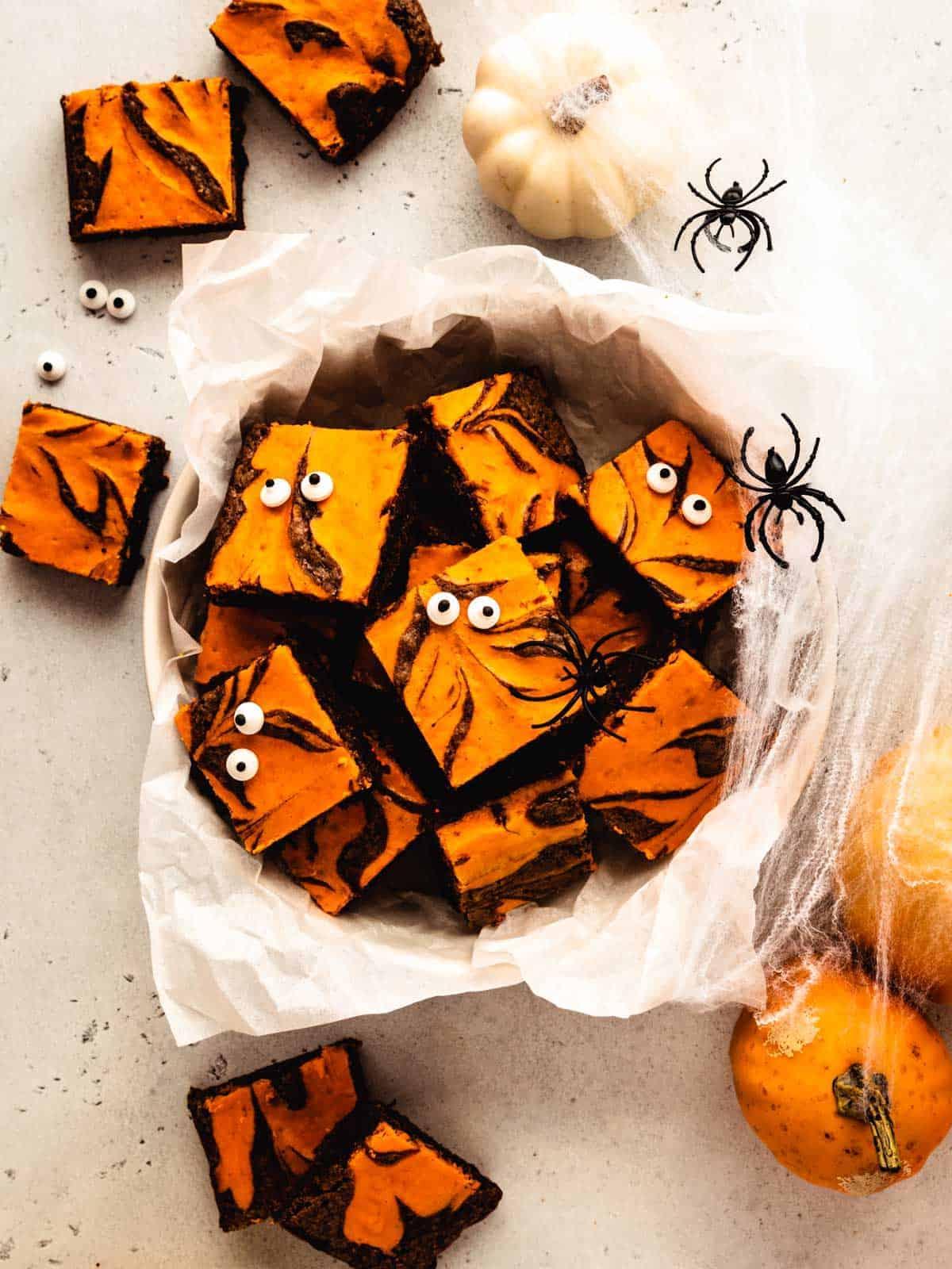halloween cream cheese brownies with eyes