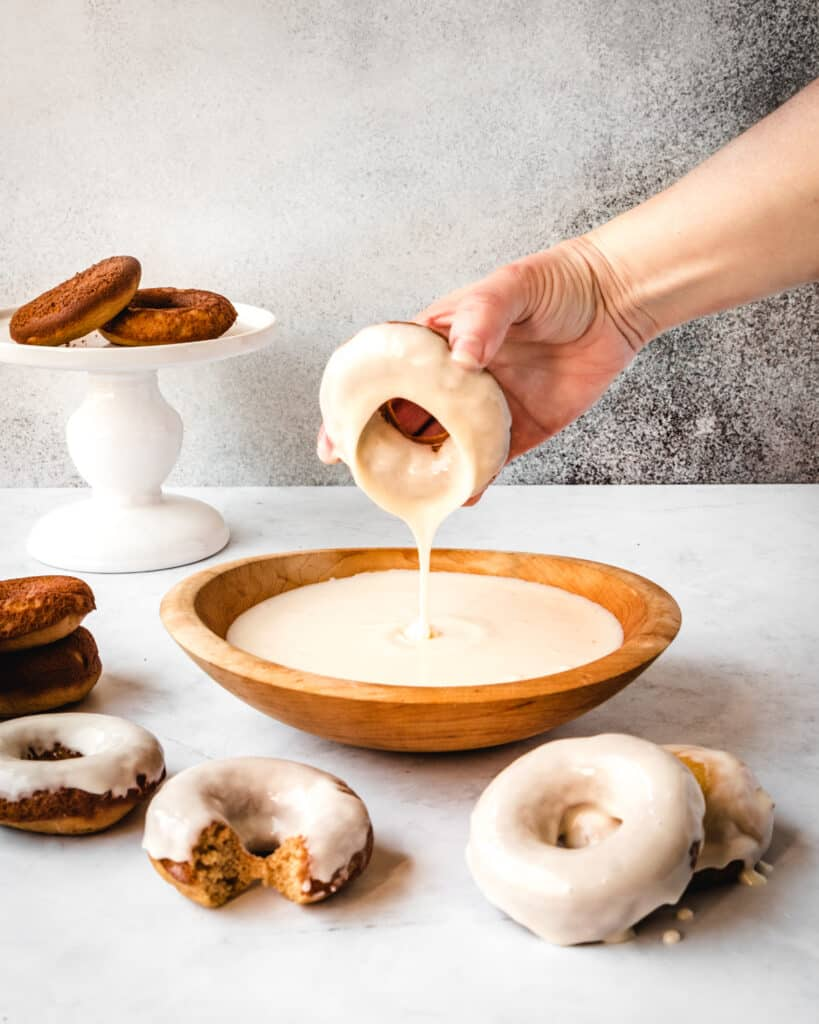 how do you make vanilla glaze for donuts