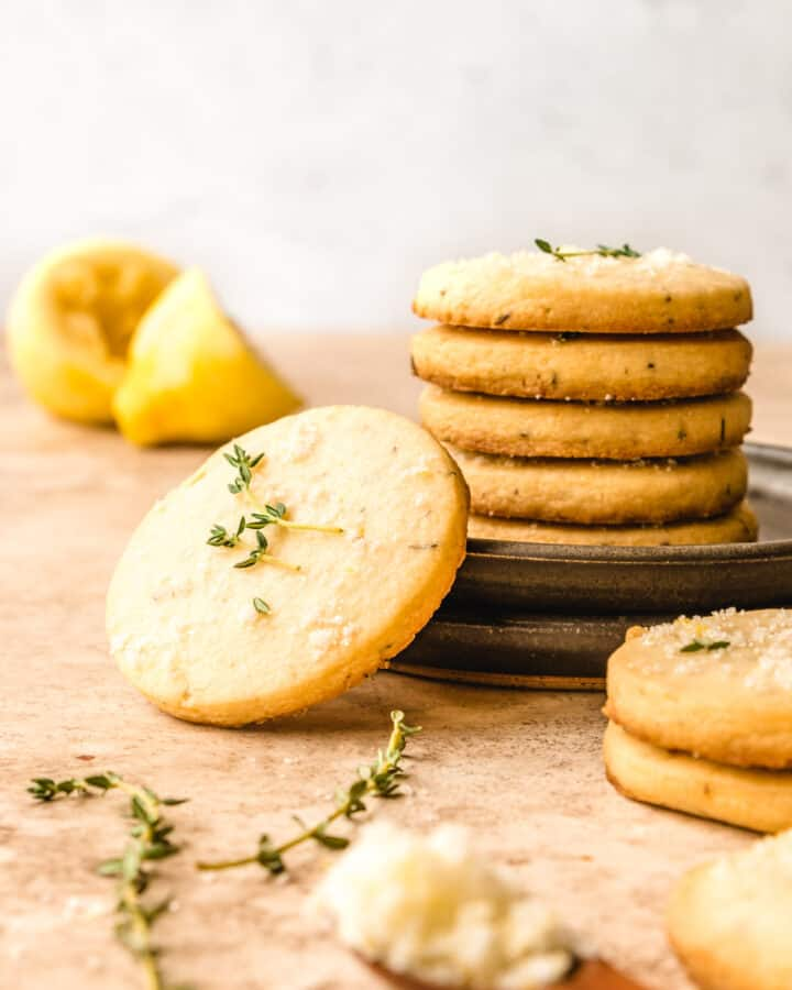 Enjoy a plate of these easy and delicious lemon shortbread cookies today.