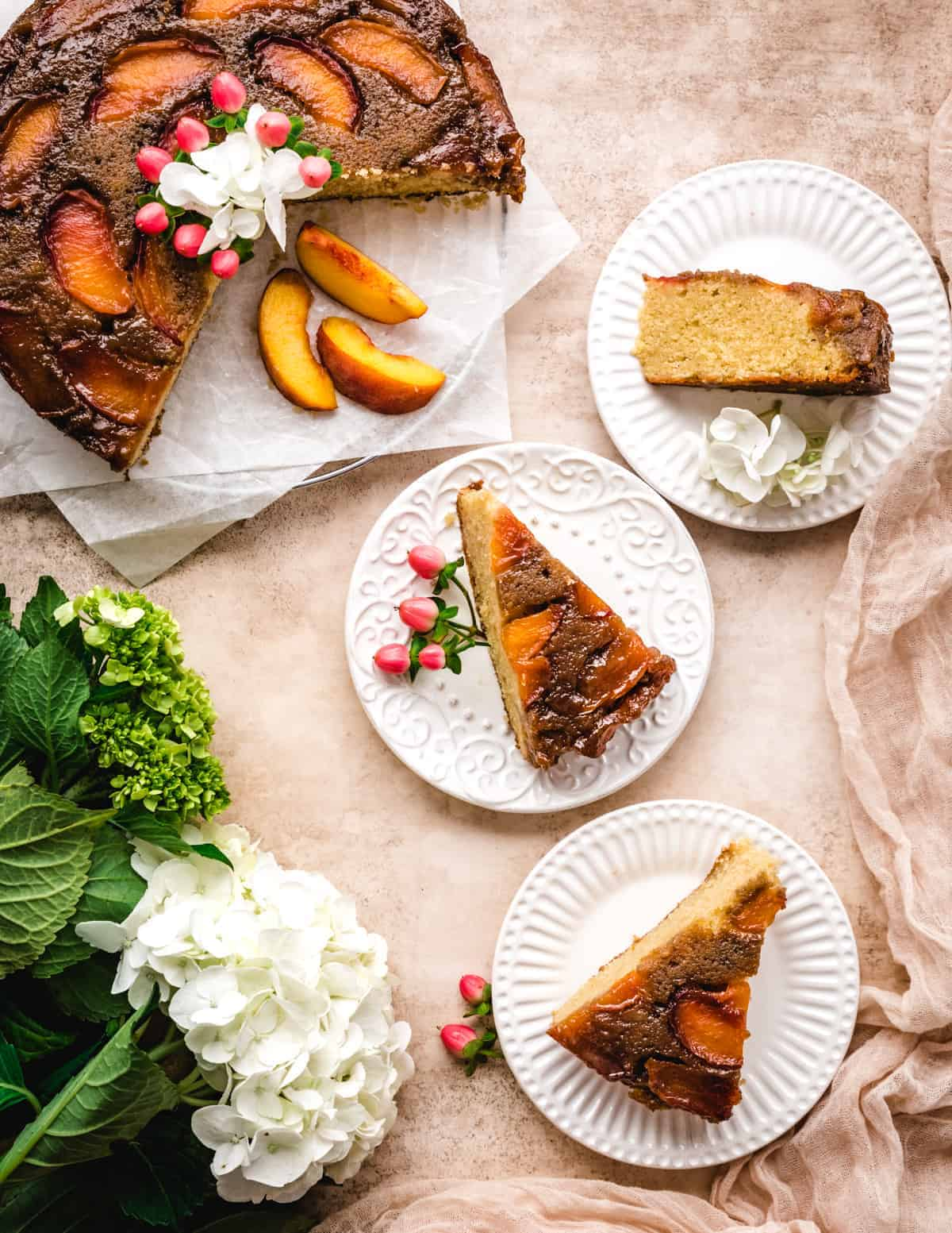 You can use fresh or frozen peaches to make this delicious caramel peach upside down cake.